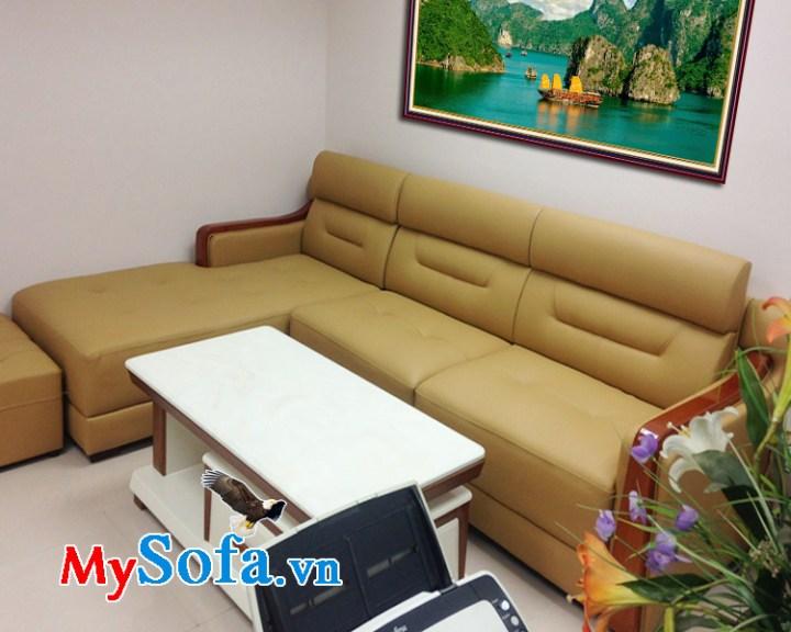 Mẫu ghế sofa da tay vịn ốp gỗ tự nhiên