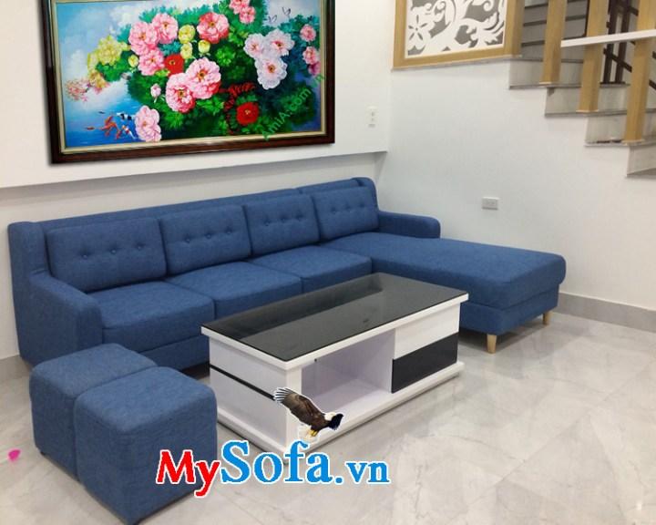 Sofa góc chữ L kê phòng khách nhà phố