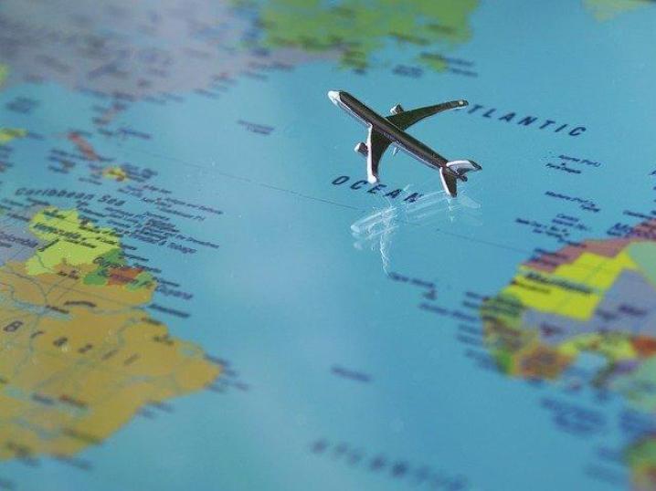самолёт на карте
