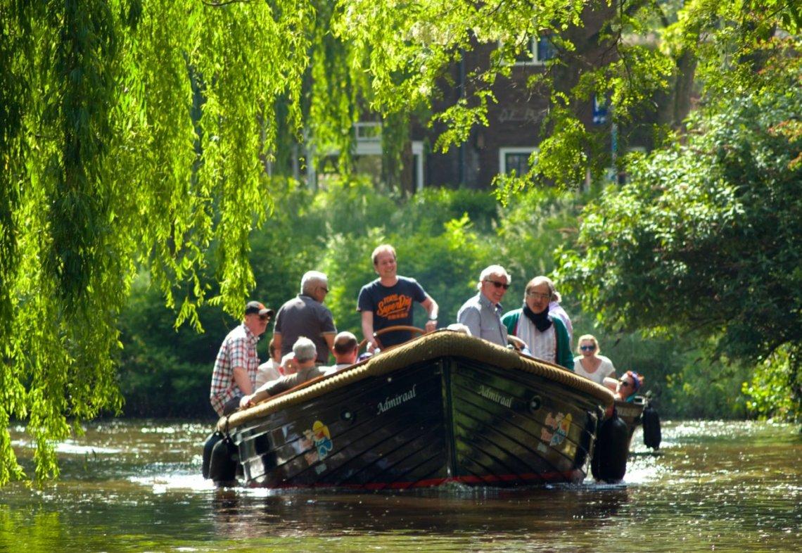 BBQ Boat tour in Breda
