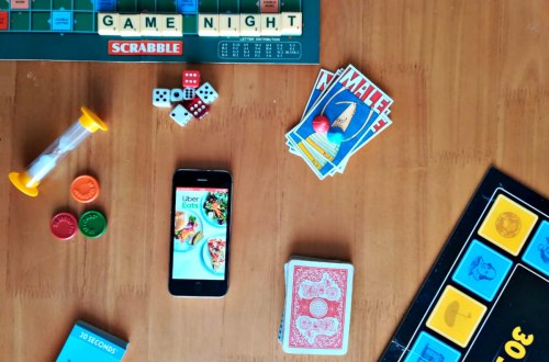 5 Tips for a Fun Family Game Night with Uber Eats