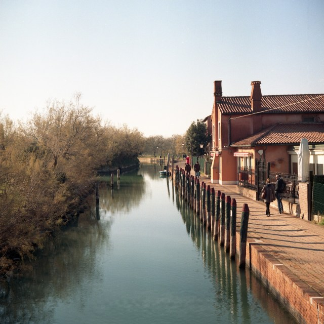 yashica 635 tlr kodak portra 400 torcello italy street canal river houses boats 120 medium format film