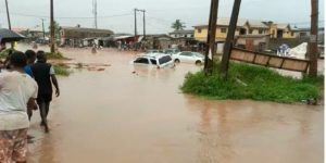 Commuters stranded as Flood overtake Lagos Road