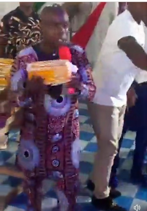 Delta State Pastor Shares Anointed Bread To His Church Members (Photos+Video)