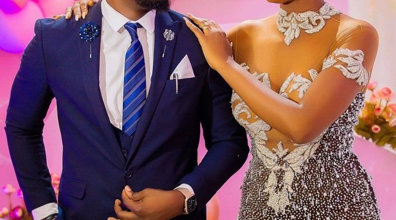Beautiful Nigerian Couple Marry After Man Stylishly Asked Her Out Via Email (Photos)