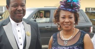 BREAKING: King Sunny Ade's wife, Hon. Risikat is Dead