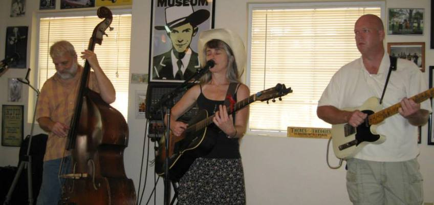 Mystery Hillbillies at Prissy Polly's BBQ