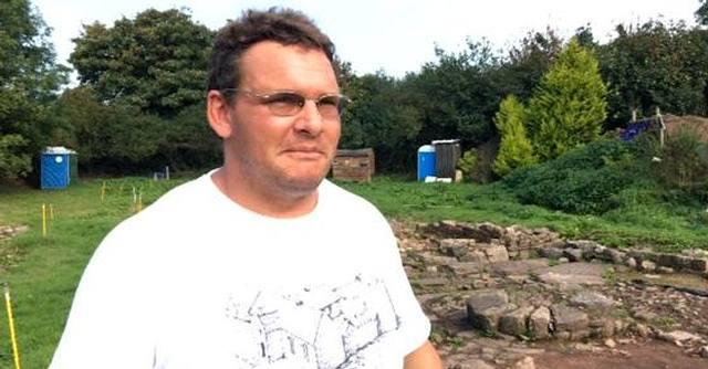 El arqueólogo Stuart Wilson, descubridor de la ciudad perdida de Trellech.