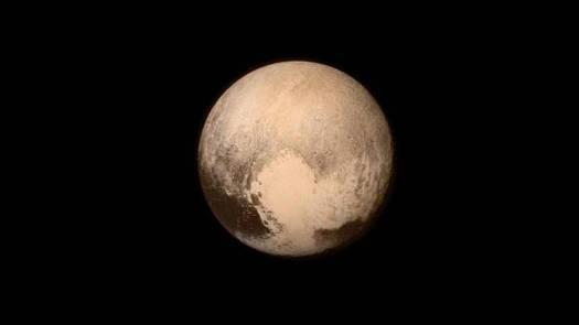 La sonda New Horizons hizo historia en 2015 al visitar el sistema de Plutón.
