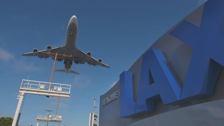 Avión LAX.