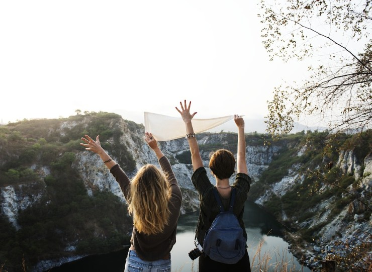 8 Reasons To Consider Why You Should Travel Full Time- Meet multinational friends