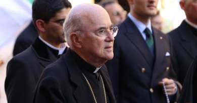 In 11 Page Bombshell Ex-Nuncio Accuses Pope Francis of Failing to Act on McCarrick's Abuse…Calls on Pope Francis to Resign