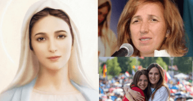 """Oct. 25, 2018 Apparition – Visionary's personal comments on radio program…""""Our Lady said to pray more and talk less.The journey of conversion never ends…Live in joy do not be sad Christians."""""""