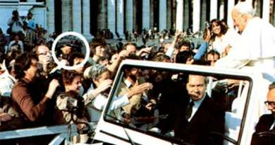 """Medjugorje: Did you know the Queen of Peace told the Visionaries that She saved Pope John Paul II's Life..""""His enemies have wanted to kill him, but I protected him."""""""
