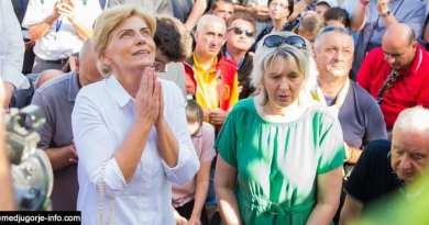 102 degrees in Medjugorje Mirjana's apparition July 2, 2019…Heat almost overwhelms visionary before apparition at 3:00 VIDEO