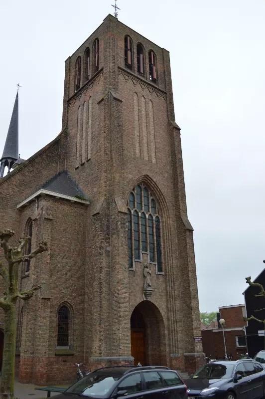 8-biserica-sluis