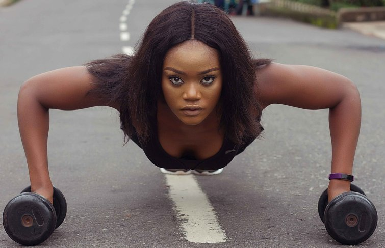 CHINENYE ULAEGBU IS A BADASS FITNESS MODEL