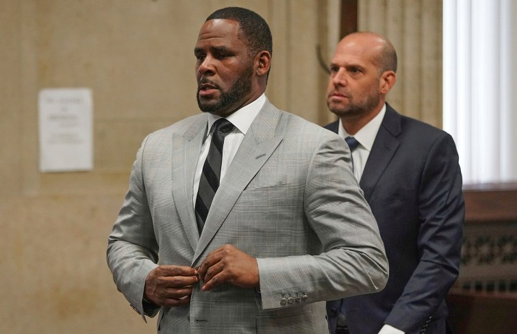 R. Kelly May Allegedly Flee To Dubai