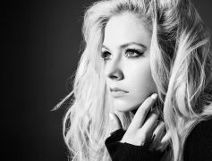 Avril Lavigne Withdraws From Asian Concert Over Fear Of Coronavirus