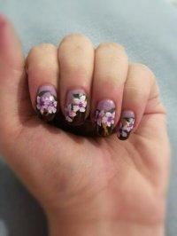 Violets: Nail art design