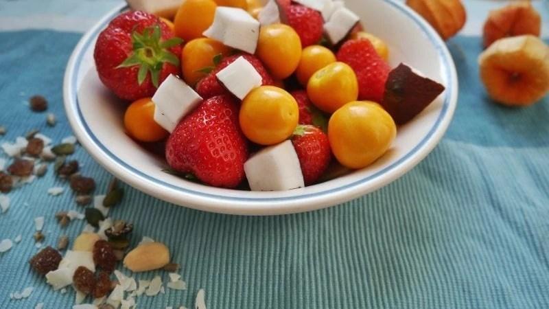 heathy bowl of fruits