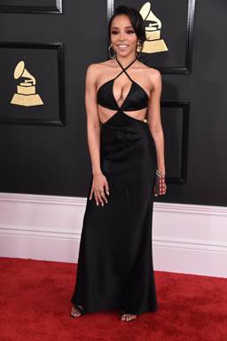 How to get Tinashe's bold edgy grammys updo