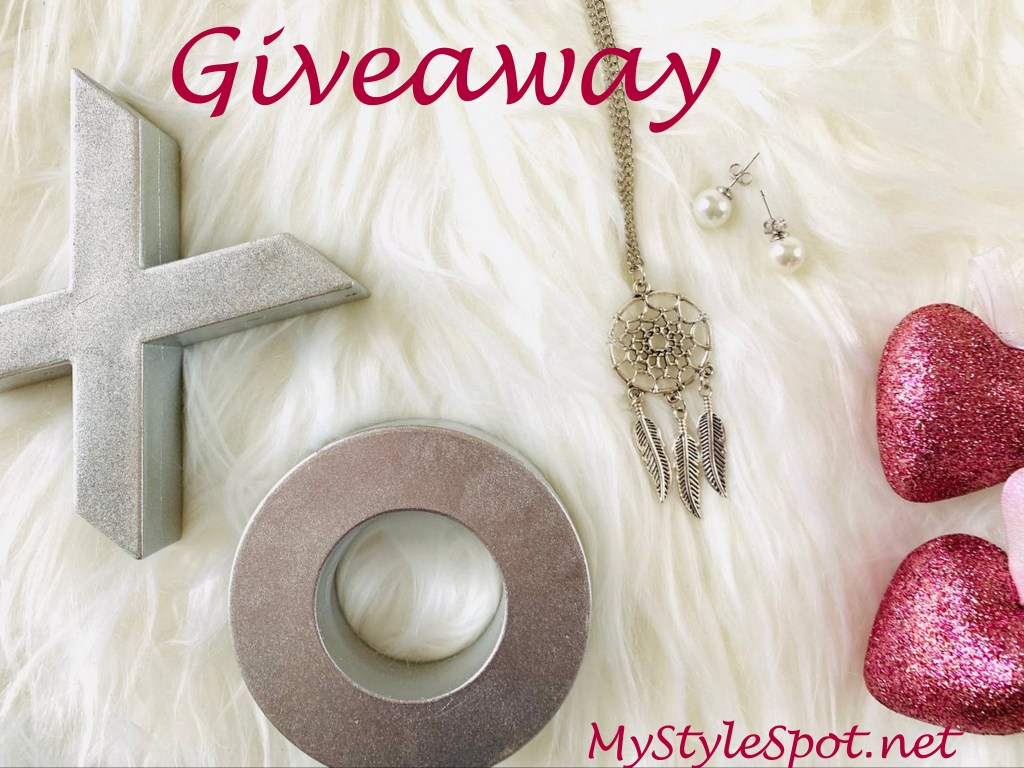 GIVEAWAY: Win Pearl Stud Earrings and A Dreamcatcher Necklace