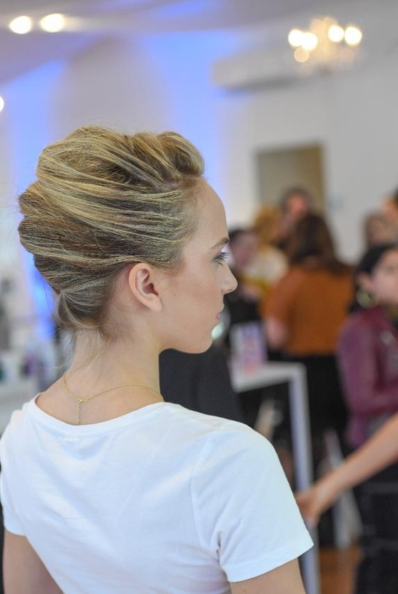 How to Get a Chic Summer Updo in 7 Easy Steps