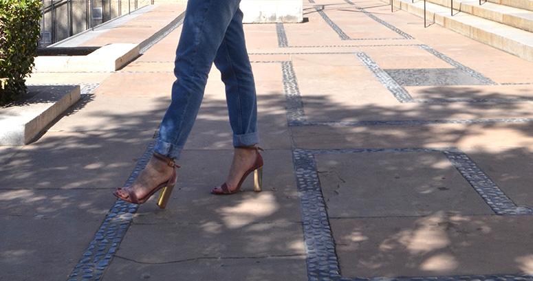 Stripes, Santa Barbara, Casual look, Steve Madden, Sandals, Steve Madden Velvet Sandals, Pink velvet sandals, High waist jeans, Downtown Santa Barbara, Karla Vargas, Sf Style, SF style blogger, Mexican Blogger, Personal Style, Personal Stylist