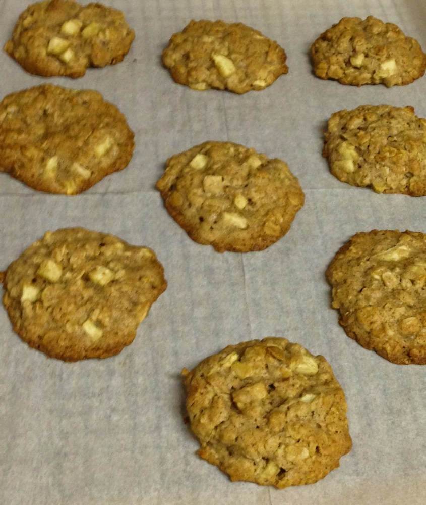 Apple Cinnamon Oatmeal Cookies (3/4)