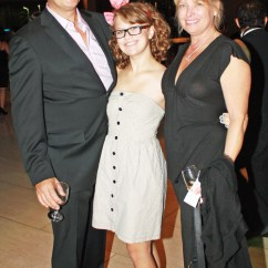 Flip Flop Chair Rattan Swivel At&t Dso Gala Dazzled With Fashions, Music And A Knitter
