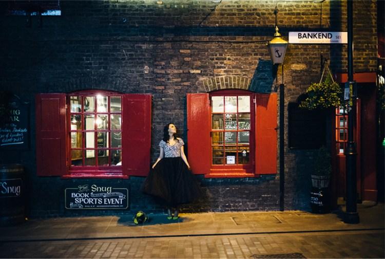 0009_21_engagement-session-portraits-london-streets