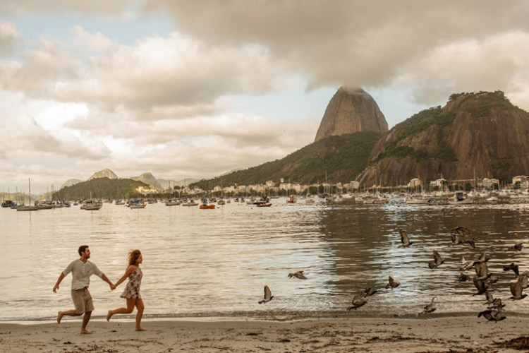 A Lovely Engagement Photoshoot in Rio