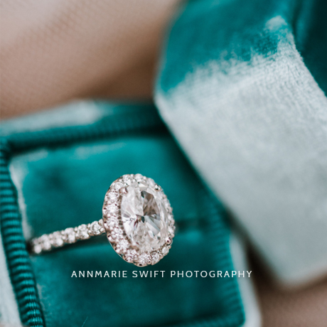 Gallery with an incredible selection of gorgeous engagement ring ideas. // My Sweet Engagement // http://mysweetengagement.com/galleries/engagement-rings