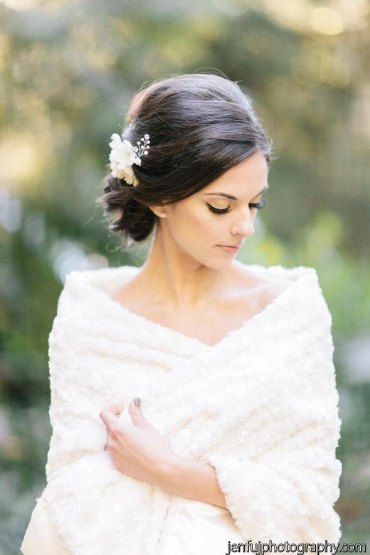 10 gorgeous cover ups to keep the bride warm and stylish this dont miss these 10 gorgeous cover ups to keep the bride warm and stylish junglespirit Gallery