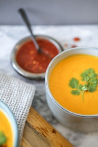 Sweetly spiced vegan coconut curry carrot soup