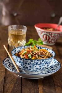 Vegetable Hakka Noodles | Indo Chinese Chow mein