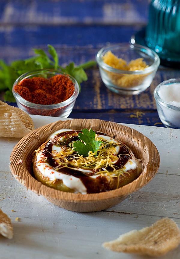 Aloo tikki chaat recipe delhi style aloo tikki indian indian aloo tikki is a famous street food of delhi a crispy and tasty aloo tikki forumfinder Choice Image