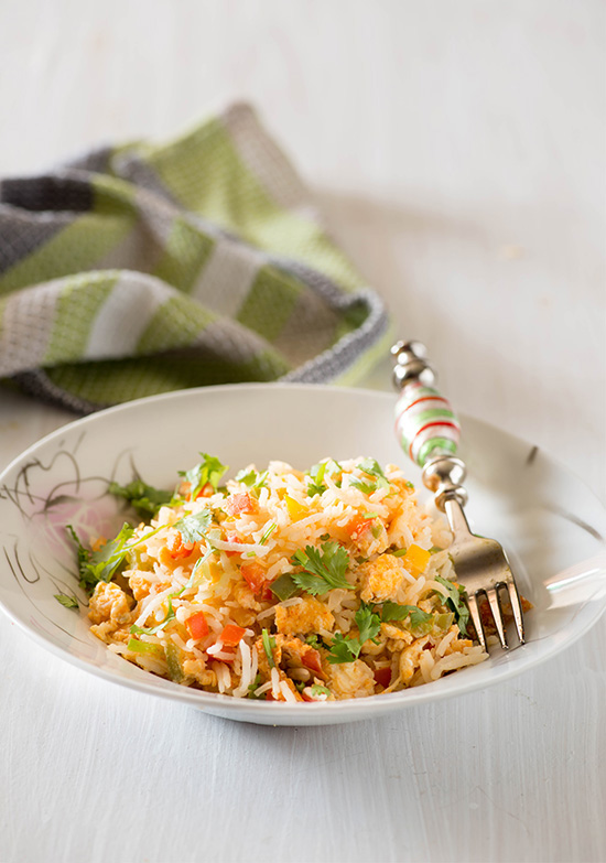 Egg Fried rice recipe, Simple easy and quick one pot meal on its own. Pair this egg fried rice Indian way with your choice of curry or raita and it makes a scrumptious easy weeknight Indian meal.