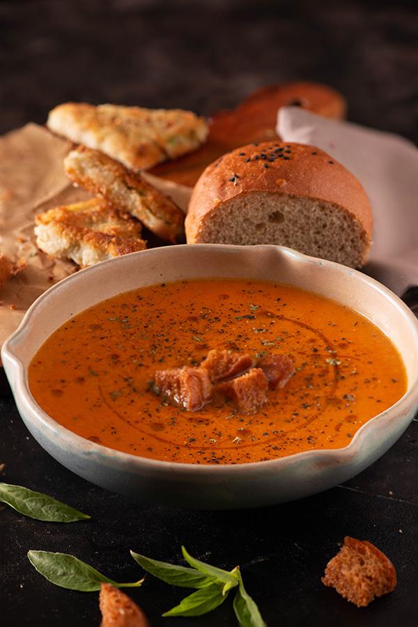 easy creamy homemade tomato soup