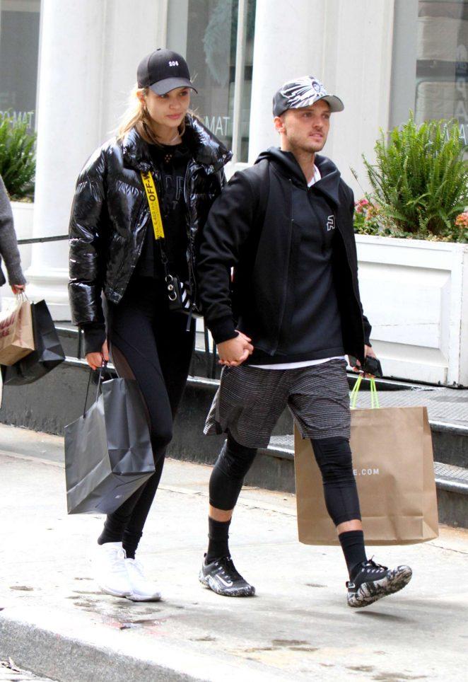 Josephine Skriver and boyfriend Alexander DeLeon Shopping in New York