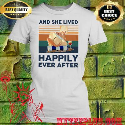 Ocean and she lived happily ever after women's t shirt