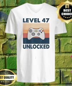 47th Birthday Boy Gamer Level 47 Unlocked v neck