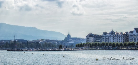 Returning to Geneva's harbour along the north shore
