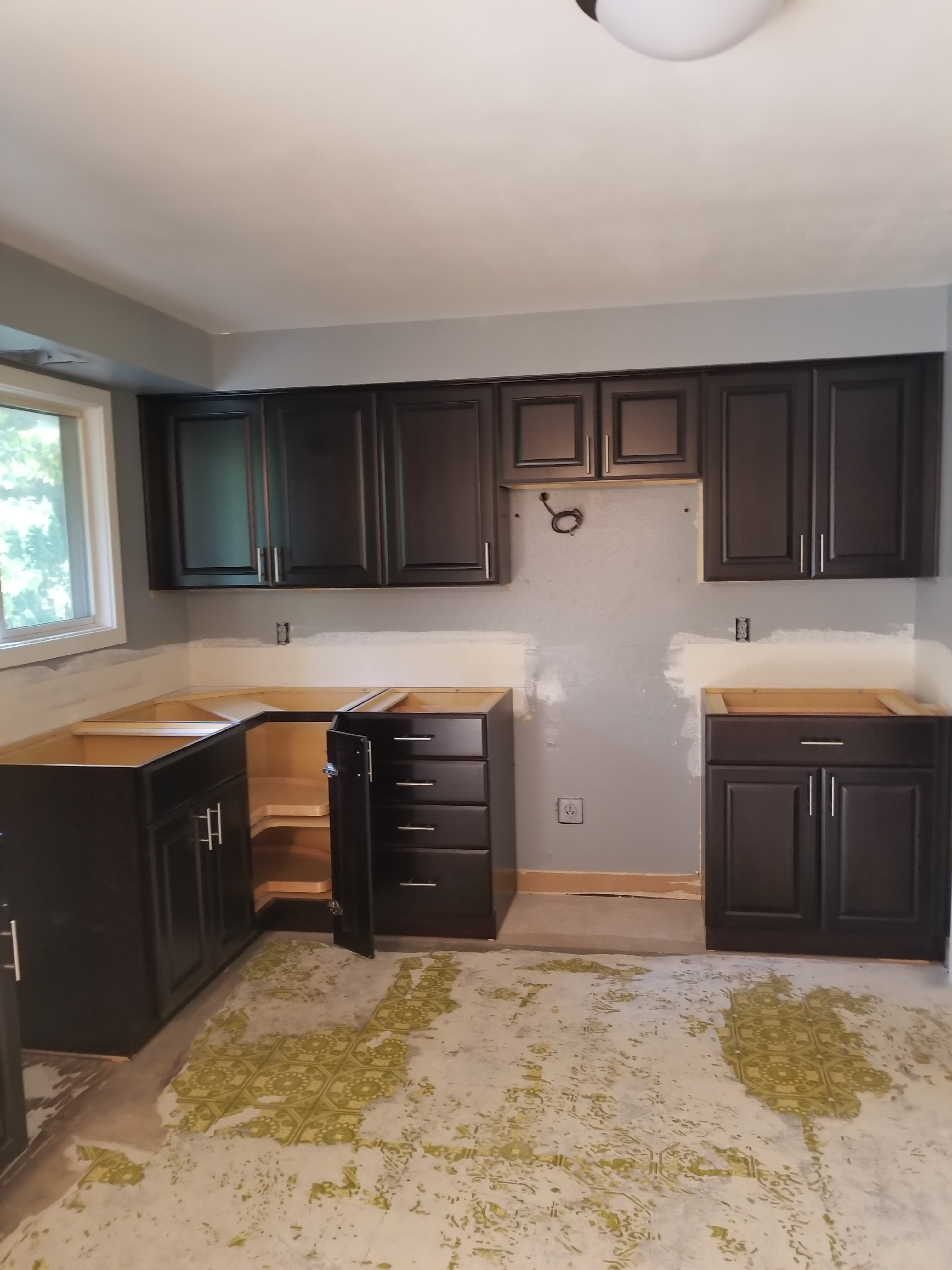 Top 10 Reviews of Lowe's Kitchen Cabinets