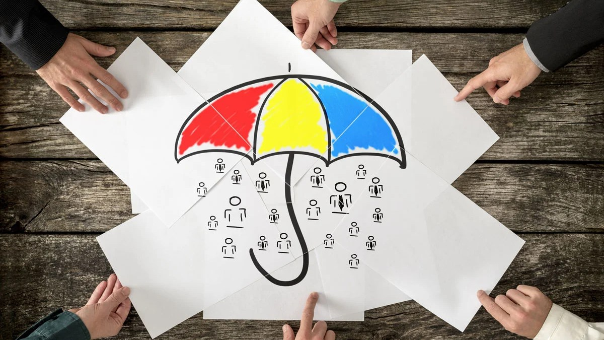 How does umbrella liability insurance work