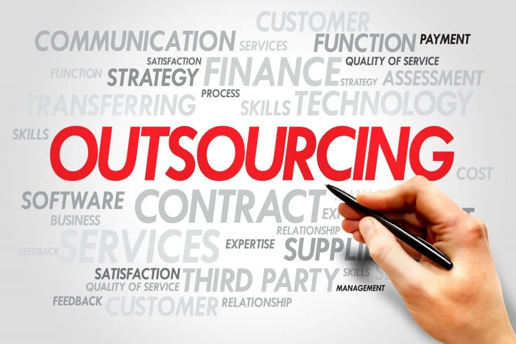 Key benefits and advantages of outsourcing insurance call center