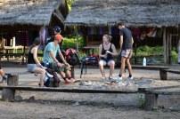 pause dejeuner dans une tribu dans le nord du vietnam