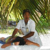 massage sur la palge de saona island en république dominicaine