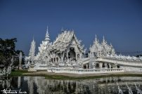 white temple en thailande
